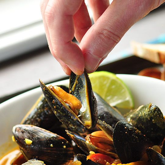 Thai Red Curry Mussels  Serves 4 as a main dish or 6 to 8 as an appetizer