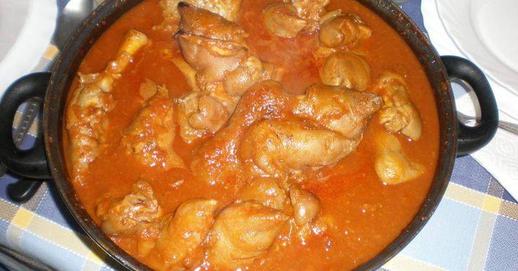 Fabulosa receta para Manitas de cerdo a la Vizcaína. Uno de los platos más tradicionales del carnaval en el país vasco.  Vídeo: Manitas de cerdo con setas paso a paso (El Balís)