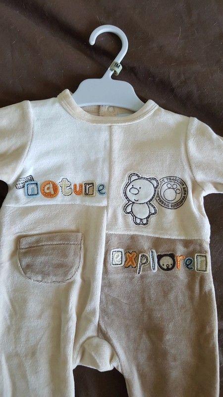 df8a37ca9a4c7 Grenouillère pyjama bébé tout doux Article NEUF jamais porté coloris sympa  et original Taille 1 mois