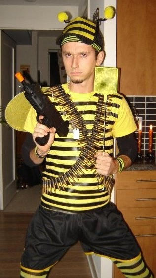 diy halloween pun costume killer bee halloween costume pun diy - Halloween Puns Costume