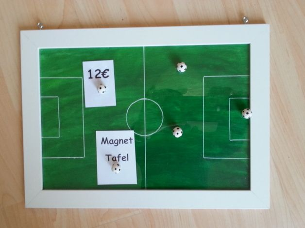 "Kl.Magnettafel """"Fußballfeld"" m. Fußball-Magneten"