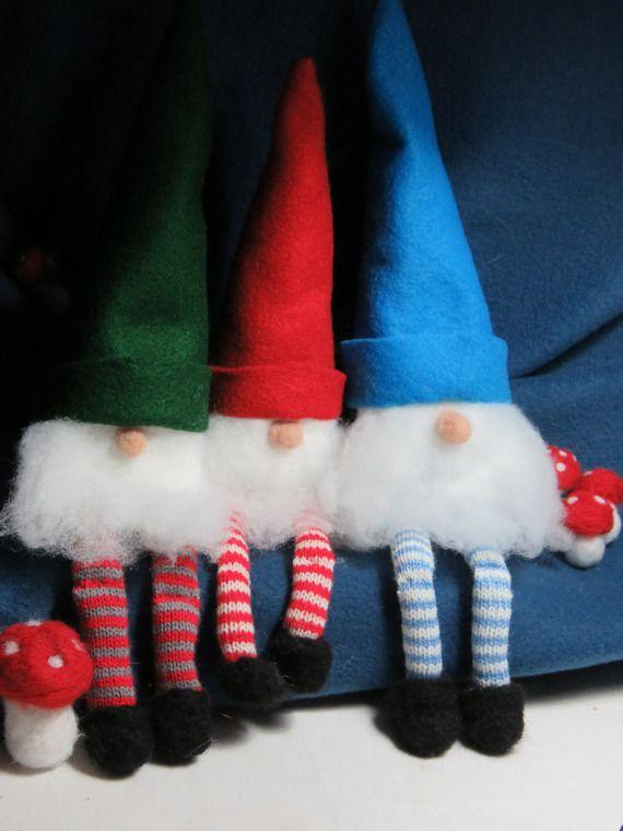 Gnomes en feutrine, laine feutrée, maille et tissu.