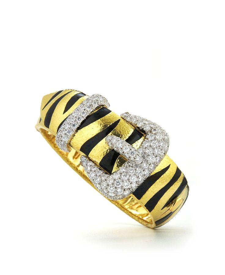 Tiger Stripe Buckle Bracelet - Brilantní řezané diamanty, černý smalt, tloukl 18K zlato a platina | David Webb New York