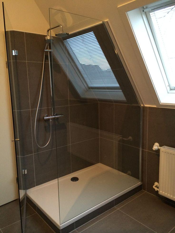 18 best dullcon onze projecten glazen deuren douchedeuren glazen wanden glazen puien - Douche onder de dakrand ...