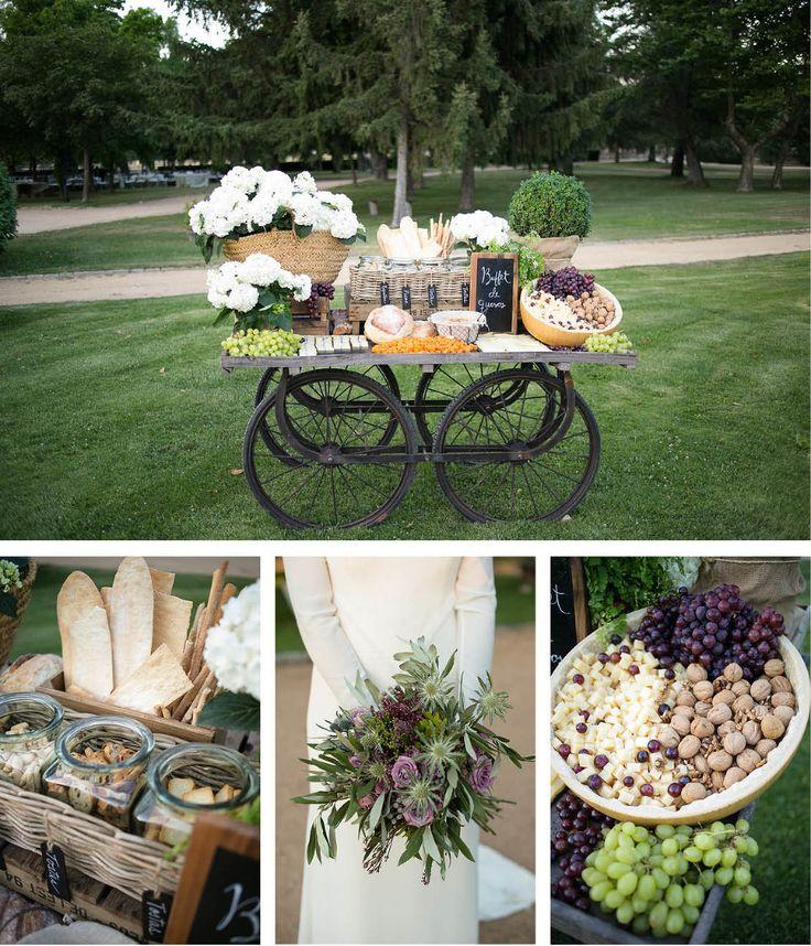 Fotografía de bodas emotivas al aire libre en la Finca el Campillo de Madrid. Está finca se hizo famosa por el programa Master Chef.