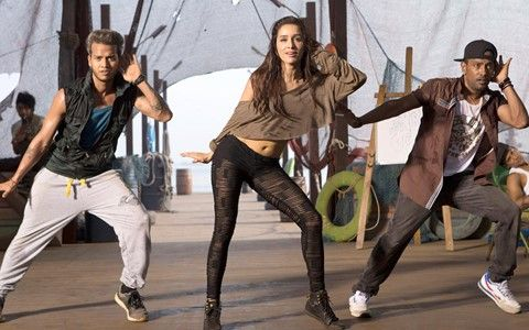 Shraddha Kapoor Dancing in ABCD 2 Movie Wallpapers available at Hdwallpapersz.net