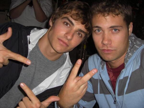 this is way too much perfection in one picture. Drew Seeley and Dave Franco