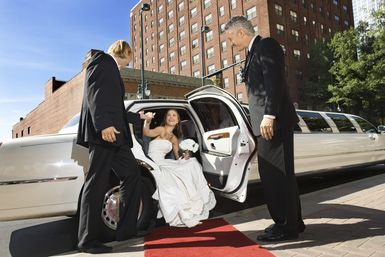 Top-3-photo-ops-para-boda-oportunidades-fotograficas-para-boda-inolvidables-Alfombra-Roja-de-Bodas.jpg - Foto: Jupiterimages / Stockbyte / Getty Images