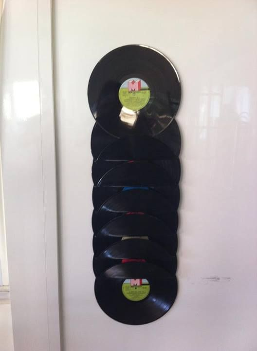 Revistero para los peri dicos hecho con discos de vinilo - Manualidades con discos ...