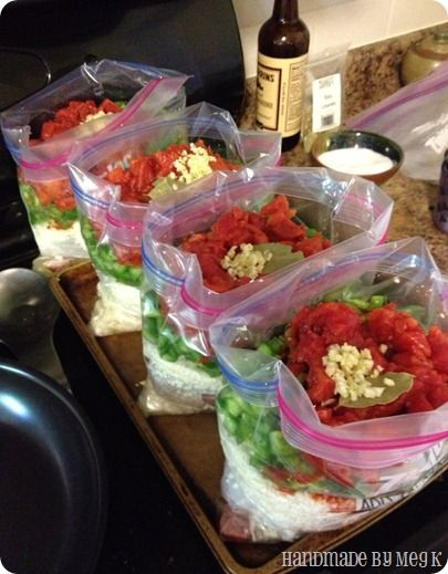 Great roundup of freezer/crockpot meals. Looks yummy!