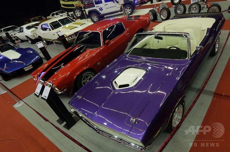 レバノンの首都ベイルート(Beirut)北方の街ジュニエ(Jounieh)で開催のモーターショー「レバノン・モータースポーツ・チューニング・ショー(Lebanon Motorsport and Tuning Show)」の会場に展示されたアメリカンマッスルカー(2014年7月31日撮影)。(c)AFP/JOSEPH EID ▼5Aug2014AFP|クラシックカーから改造車まで、レバノン最大のオートショー http://www.afpbb.com/articles/-/3022235 #Lebanon_Motorsport_and_Tuning_Show