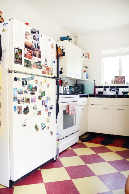linoleum floor via apartment therapy UP LAUNDRY w/ ELEPHANT TUSK PAINT BM (W/ BM WATERY PAINT ACCENTS)