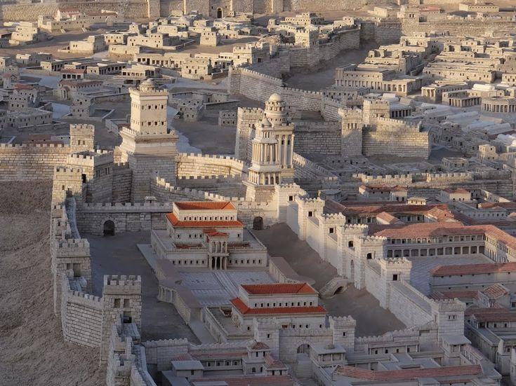 Un oraș care reușește să rămână locuit timp de mai multe secole este ceva destul de rar. Imperiile decad, porturile se inundă, râurile își schimbă cursul și fără săîțidai seama orașele sunt părăsite și uitate. În ziua de azi doarcâtevaorașe, unele dintre ele capitale ale unor țări, pot demonstra că au fost locuite timp de trei milenii fără oprire. Iată câteva exemple: