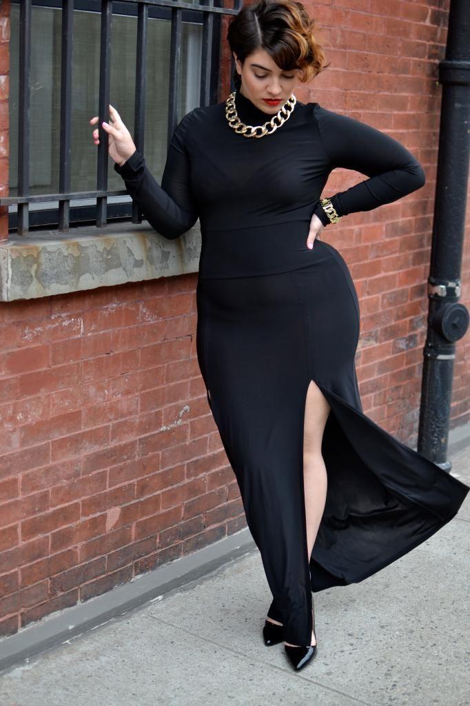 Nadia Aboulhosn totally rocking this dress. Curvy plus size fashion