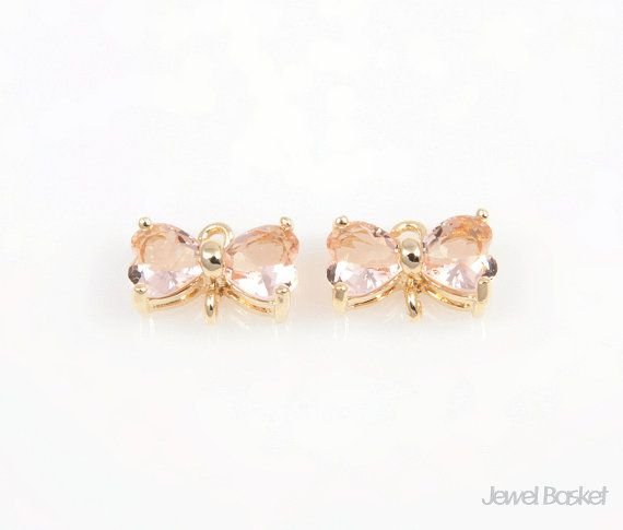 SLPG042-C (2pcs) / Light Peach Color and Gold Framed Butterfly Connector / 10mm x 7mm  - High Polishes Gold Frame (Tarnish Resistant) - Light Peach Color Glass - Brass and Glass / 10mm x 7mm - 2pcs / 1pack