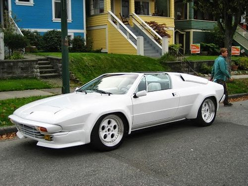 Lamborghini Jalpa... My fav, the Countach, received all the glory, yet this is the lesser known smokin hot brunette sister of hers, is just as amazing! ~T.M.