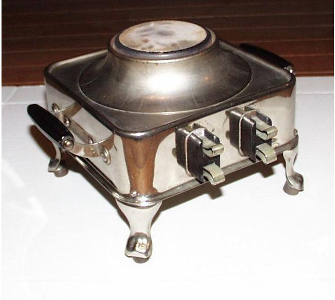 Cafetière et grille-pain fait par Armstrong Elec. & Mfg. Corp. à Huntington West Virginia, É-U en 1920