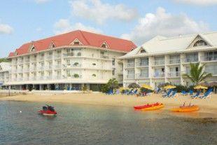Vous pourrez profiter en toute tranquillité de ce magnifique hôtel, idéalement situé, et de sa vue sur la mer des Caraïbes. Un hôtel les pieds dans l'eau sur une petite plage de sable fin au cœur de la baie de Marigot.