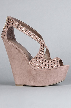 Love!: Studs Wedges, Style, Cute Shoes, Pink Wedges, Tans Wedges, Cute Wedges, Nifti Shoes, Zigi Shoes, Pink Shoes