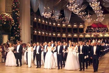Tanzende beim Wiener Opernball: Bedeutendstes gesellschaftliches Ereignis...
