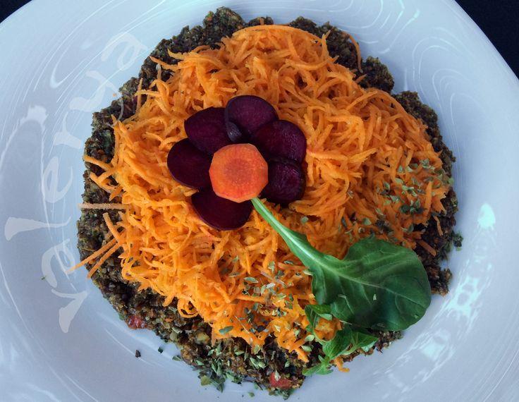 raw food . flor de tarteleta! . link a la receta ♡ https://www.facebook.com/media/set/?set=a.10152744922231496.1073742017.587831495&type=1&l=49a7fc6d7a