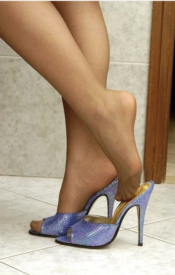 Nylon Feets 22