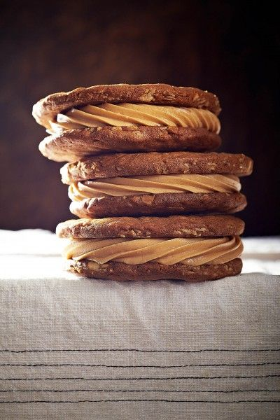 Better Nutters - Sandwich Cookies with Peanut Butter Filling