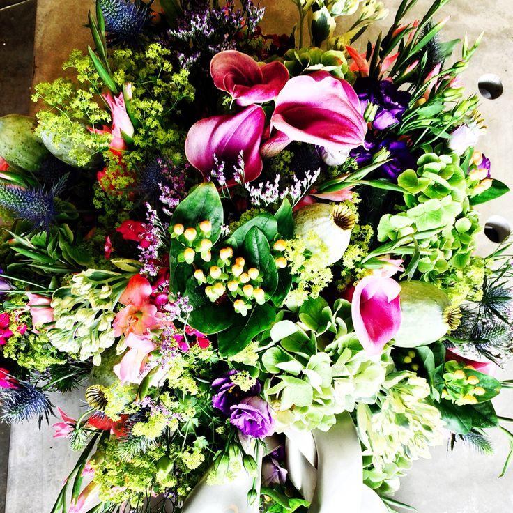 Als een bijzonder persoon weg valt uit je leven bel mij voor de uitvaart bloemen 06-29082882 #emotions #uitvaart #afscheid