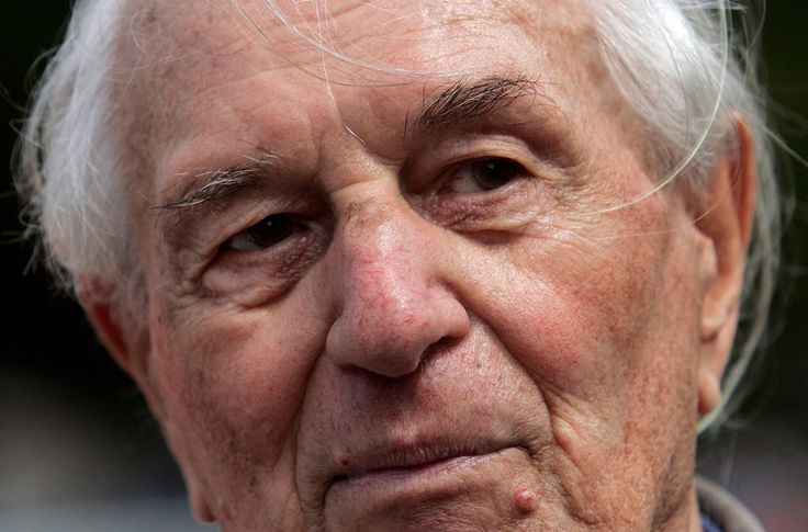 Rochus Misch, Bodyguard of Hitler, Dies at 96