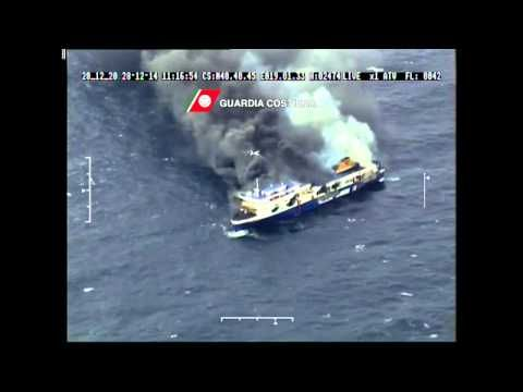 Norman Atlantic Traghetto in Fiamme con Fumo e Deriva in Mare