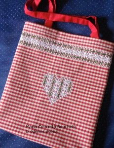 Broderie suisse, ricamo svizzero in stile italiano, shopper tirolese, cuore broderie suisse, bag chicken scratch, heart embroidery.