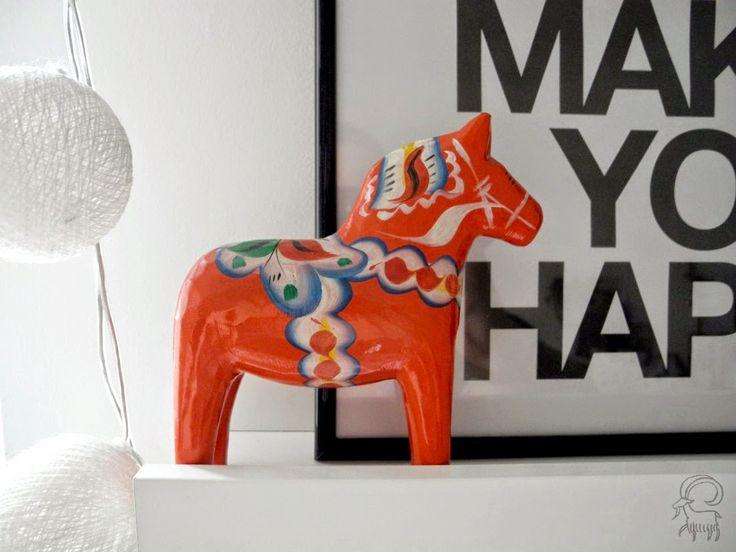 Koza domowa: Domowe migawki #home #interior #scandinavian #white #dalahorse #friday #weekend #decor #kozadomowa #nurrgula