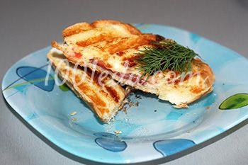 Горячие бутерброды с колбасой и помидорами в электрогриле