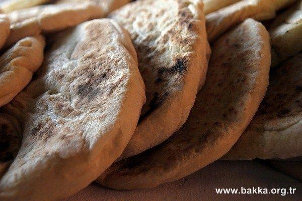 bartın ev yapımı odun da pişmiş ekmek