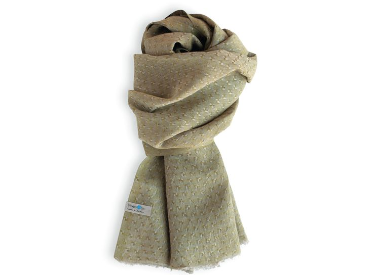 Pure linen shawl in a soft olive green colour. Made in sweden. Unisex. Good enviromental choice.