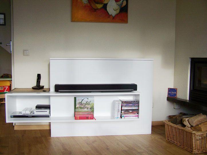 ... stand with lift.  TV-meubel met lift zelf gemaakt door Wieger