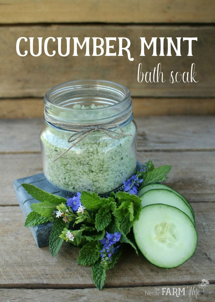 Cucumber Mint Bath Soak - Easy DIY Naturally Colored Bath Salts Made With Fresh Cucumbers, Mint & Epsom Salt