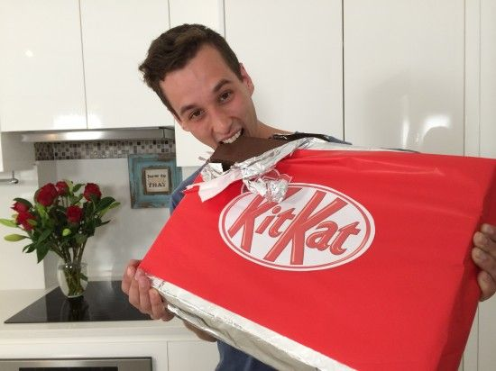 giant kit kat bar video tutorial by howtocookthat