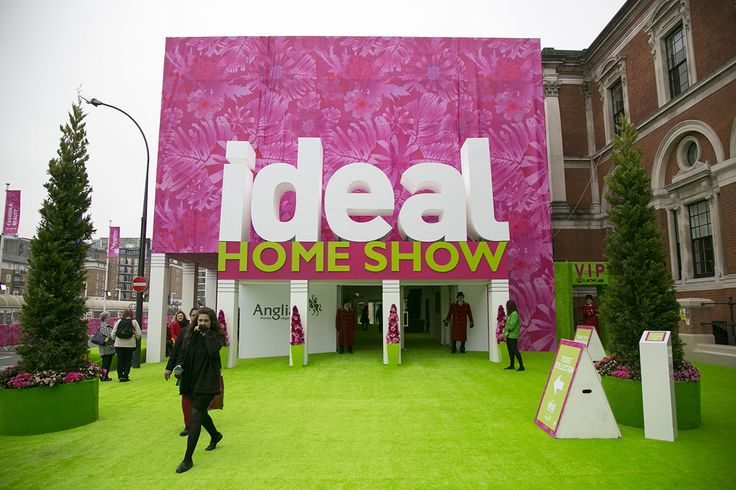 The iconic Ideal Home Show; From kitchens and bathrooms, to bedrooms and basements, from fixtures and fittings to fine food, gardens and the latest gadgets, plus fashion, beauty and gifts, you'll find it all under one roof at this award-winning show. Whether you had a substantial home project or wanted to add those finishing touches that make a house a home, the Ideal Home Show had everything you needed. #rotatingpod #rotatingsphere www.ornategarden.com