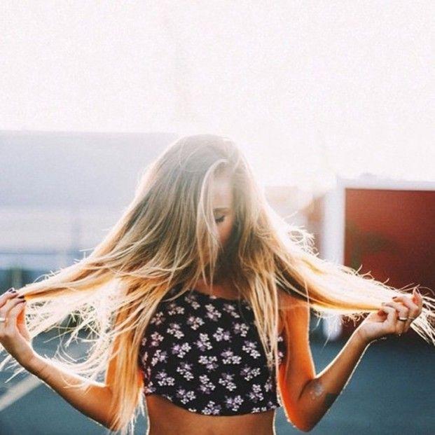 夏の髪、パサついていませんか?もしヘアダメージが気になるなら、シャンプーとトリートメントの順番を変えて行う「リバースケア」がおすすめ!1日で髪に潤いとツヤが復活し、サラサラヘアになりますよ♡