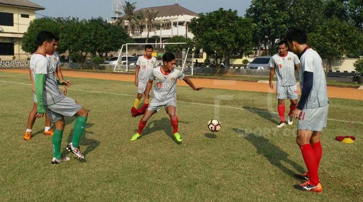 Bhayangkara FC Lawan Mitra Kukar Laga Emosional Bagi Simon McMenemy