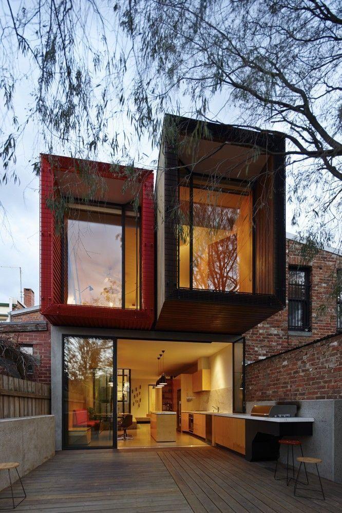 Casa hecha con contenedores de un terreno estrecho