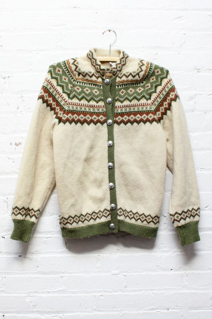 Norwegian Fair Isle Cardigan S/M • Vintage Icelandic knit wool cream and green pattern sweater. A great winter cardigan is a must.