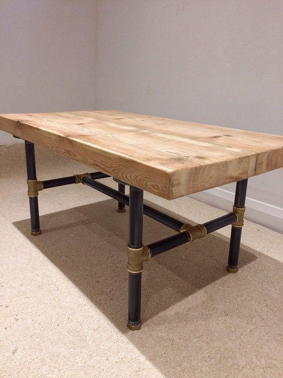 Recuperato il Vittoriano pino fascio tavolino con di SkyHighDesign