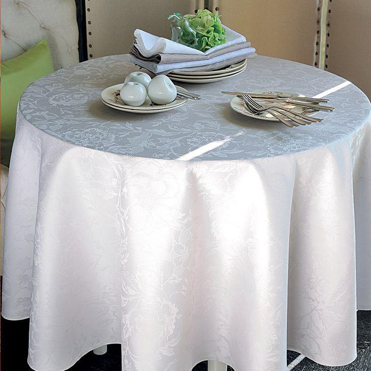 Garnier Thiebaut präsentiert einen neuen Blumenentwurf in Uni. Für Fans von schöner, klassischer Tischwäsche.   Sie geben Ihre Tischmaße ein und unser Tischdeckenkonfigurator berechnet Ihre persönliche Tischdecke.   Wählen Sie aus herrlichen Stoffen (abwaschbar oder reine Baumwolle) Ihren Favoriten. Nichts Passendes gefunden?   Rufen Sie uns an unter Tel. (0281) 24173 und wir machen es passend! Sie sind sich in der Farbwahl nicht sicher?