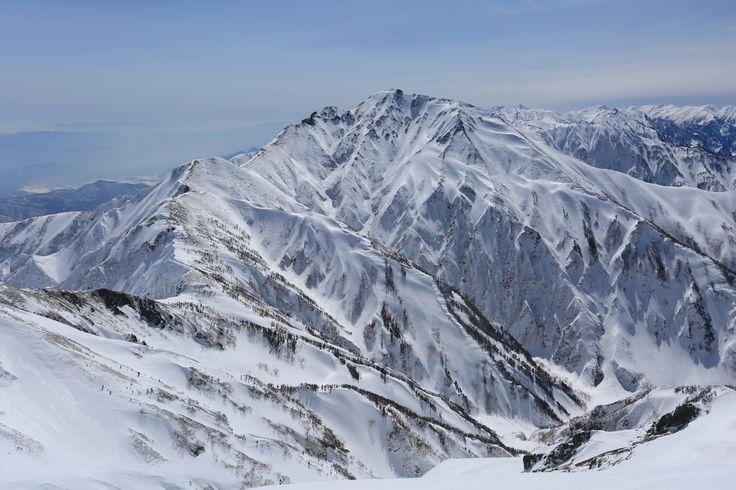 積雪期の五竜岳