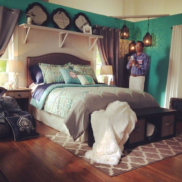 20+ Best Ideas About Shelf Over Bed On Pinterest