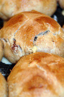 Hot Cross Buns au levain (Petits pains du Vendredi Saint)