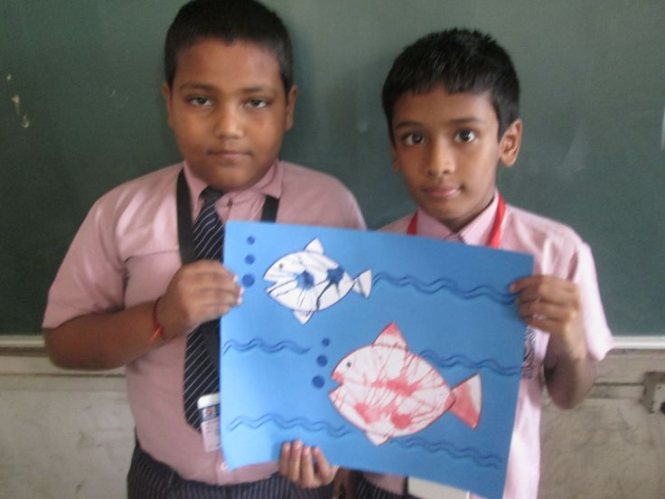 Very nice...blow painting activity done by the students  showing a fish aquarium. #students #chart paper #activity  #enjoy #colourful #fun #happy