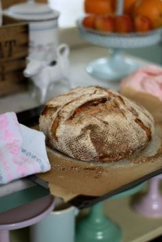Franskt lantbröd / Bröd ~ Recept | Leila Lindholm (leila.se)